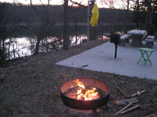 Lake Murray State Park & Lodge: On the water