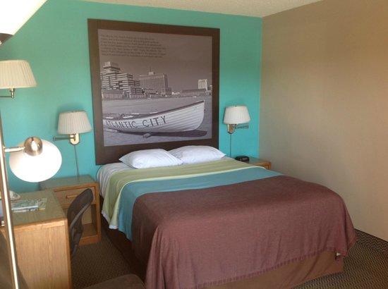 Super 8 Santa Barbara/Goleta: Guestroom