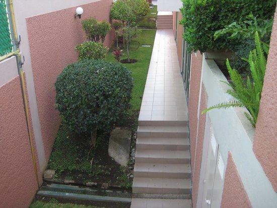 Hotel Horizon Morelia : Gardens