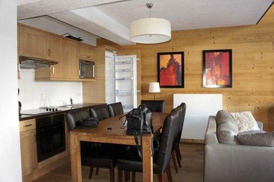 Dormio Resort Les Portes du Mont Blanc : Coin cuisine / salle à manger