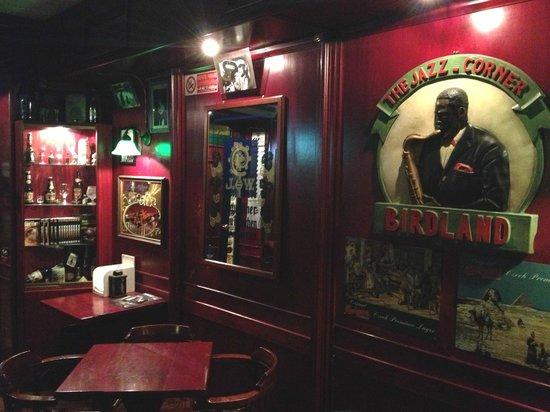 Mc Queen Pub: Un altra angolazione dell'interno