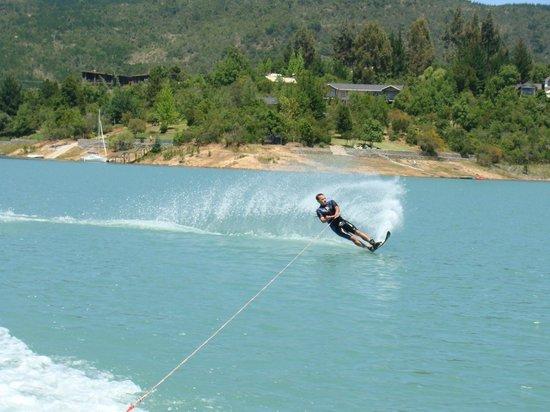 Ski lago Colbún