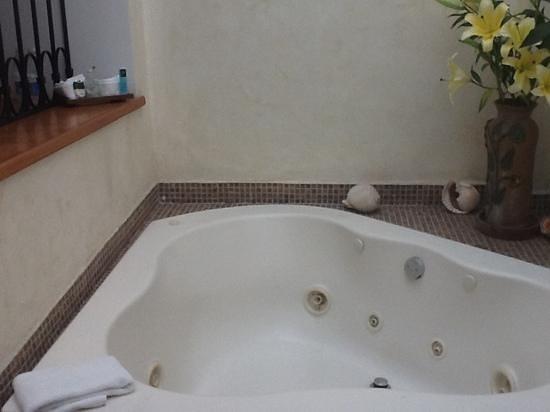 Los Pilares Hotel: jacuzzi 1