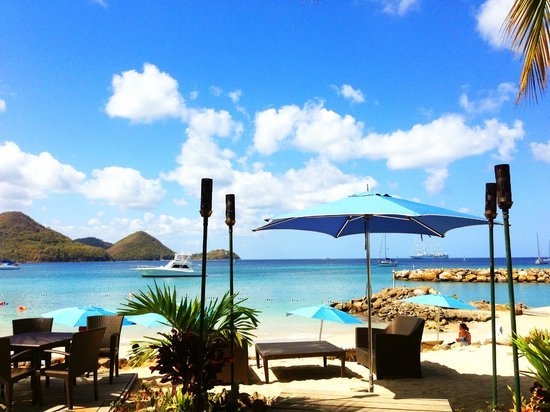 The Landings St. Lucia: The view from the beach restaurant lobby area. (you can get wifi here) Gorgeous.