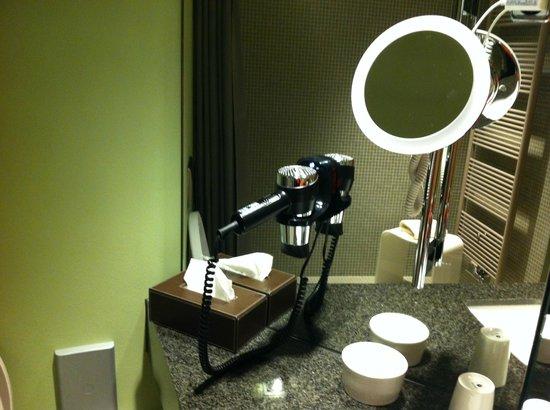 Hotel Zum Löwen: bathroom