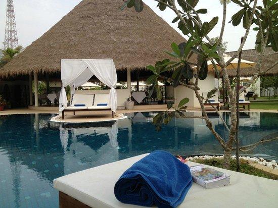 Navutu Dreams Resort & Wellness Retreat: View of saltwater pool