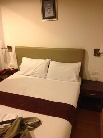 Check Inn Chinatown: Double bed