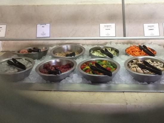 Velas Vallarta: Ingredients at La Ribera wok station