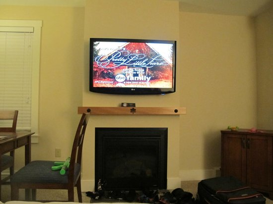 Jay Peak Resort: big TV and fireplace