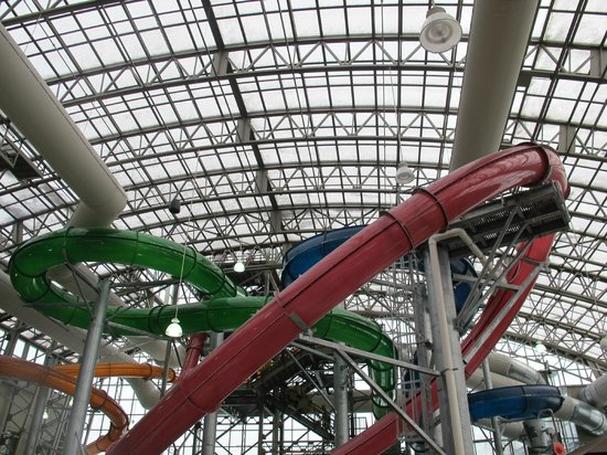 Jay Peak Resort: Full skylights in waterpark