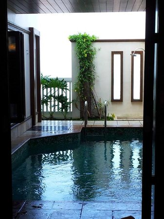 Grand Lexis Port Dickson: Pool view from the bed