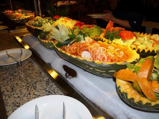 Dreams Palm Beach Punta Cana: Buffet internacional, en uno de los 8 lugares para comer dentro del hotel. 10 puntos!!