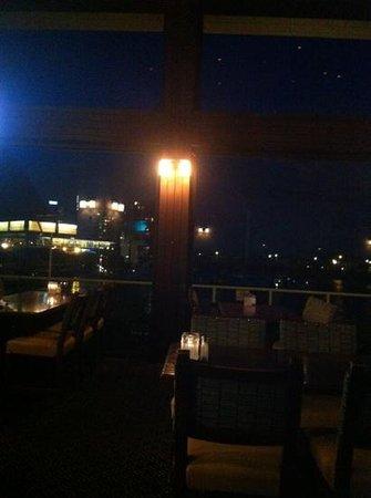 PIER 73 Restaurant: night time delight