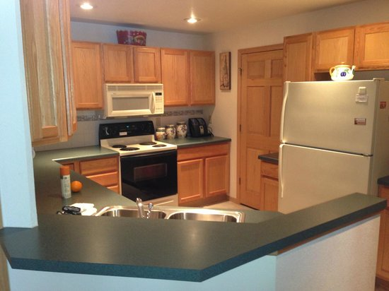 The Bayfield Inn: Kitchen - Fully Furnished
