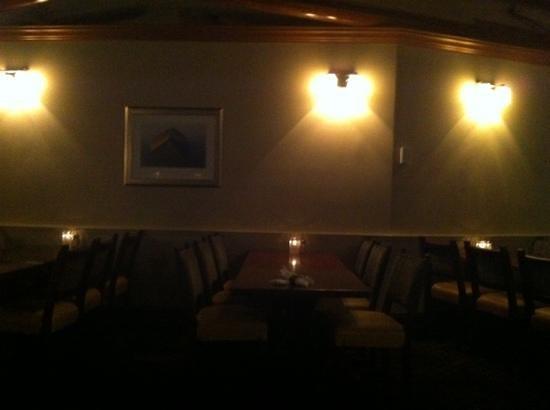 PIER 73 Restaurant: lovely dining room.