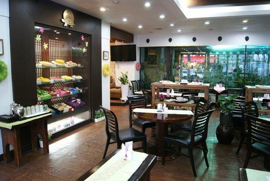 Jilsiru Tteok Cafe : seating area at jilsiru