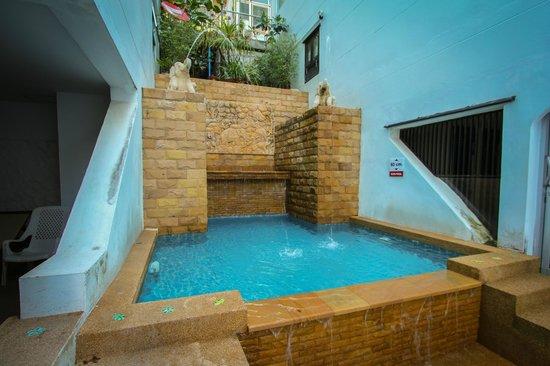 Ben's House: Children's pool