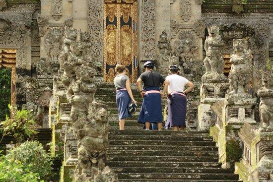 Bali Grace Cycling: Kehen Temple