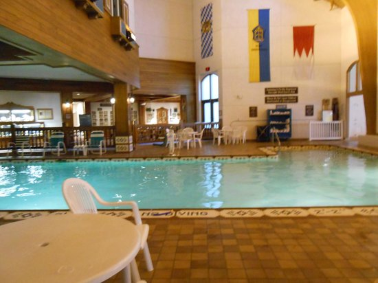 Bavarian Inn Lodge: Pool in the fun center