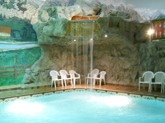 Water fall pool picture of bavarian inn lodge for Pool show michigan