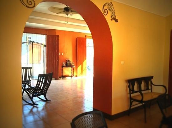 Hotel Leon del Sol: hotel lobby