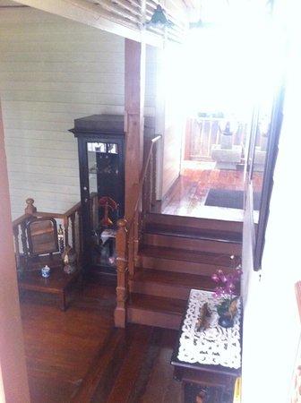 Baan Chantra: Stairways