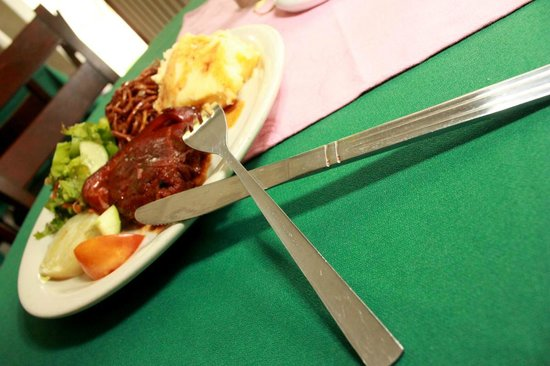 Jolly Castle Hotel: Enjoy local dishes at Joseph's Restaurant