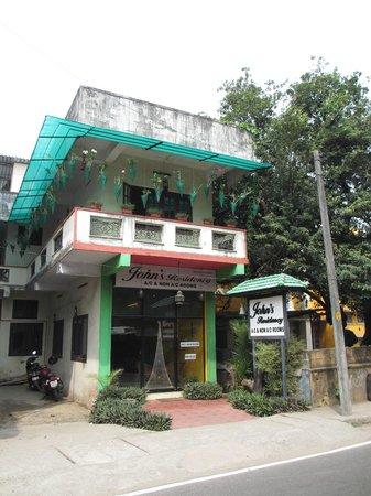 John's Residency: Hotel seen from street