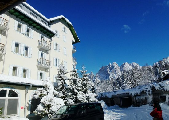 Cristallo, a Luxury Collection Resort & Spa: Rückseite des Hotels