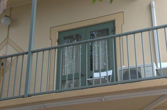 The Wright Lodge: balcony
