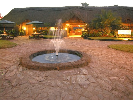 Ngolide Lodge : Entrance