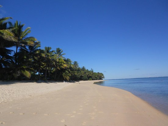 Royale Takitumu: Beach