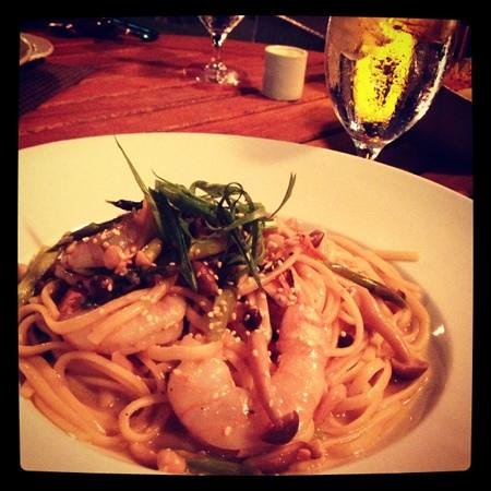 Tropica Restaurant & Bar: mushroom and shrimp pasta