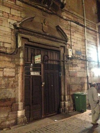 Hostal San Martin entrance