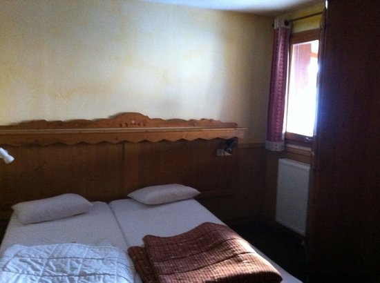 Residence Les Balcons de Belle Plagne: Tiny bedroom