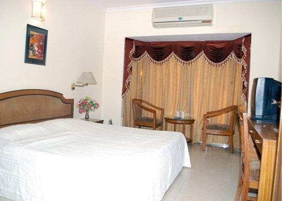 Smart Villa Hotel: DELUXE ROOM