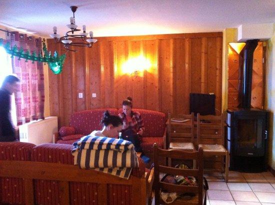 Residence Les Balcons de Belle Plagne: Guest room in apartament.