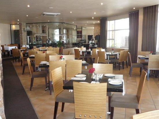 Grazia Fine Food & Wine: Dining room