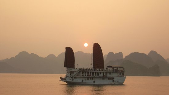 VietnamStay: Halong Bay ..an excellent night