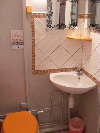 Hotel de Paris : salle d'eau