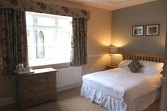 Newfield Hall: Bedroom