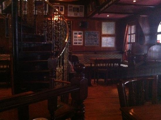 The Black Swan : Upstairs seating