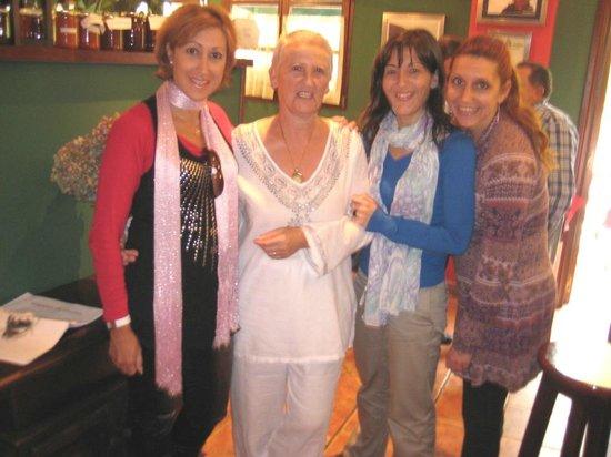 Cabo Vidio: Con la dueña en el bar