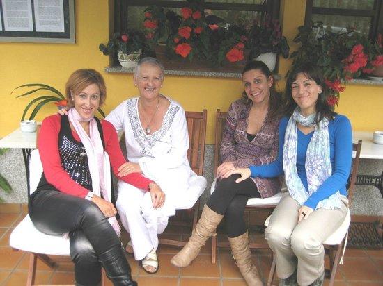 Cabo Vidio: Reposando la comida en el porche