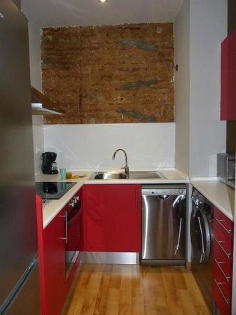 Barcelona Nextdoor Apartments : cuisine