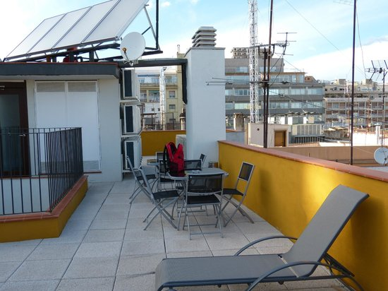 Barcelona Nextdoor Apartments : terrasse