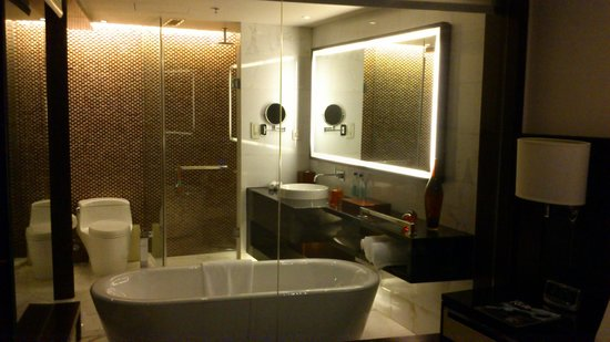 Renaissance Beijing Capital Hotel: Second room - Bathroom