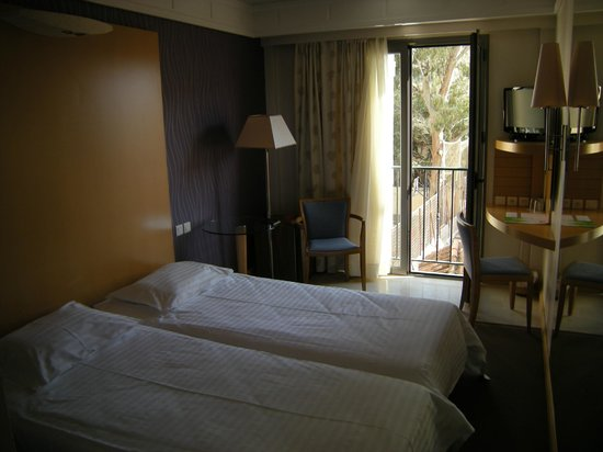 Central Athens Hotel: my room, 3rd floor