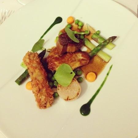 La Petite Table : volatile, foie gras e verdure