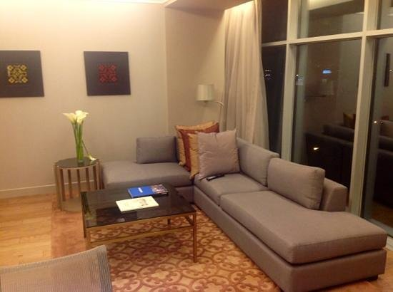 Hilton Lima Miraflores: living room at my suite